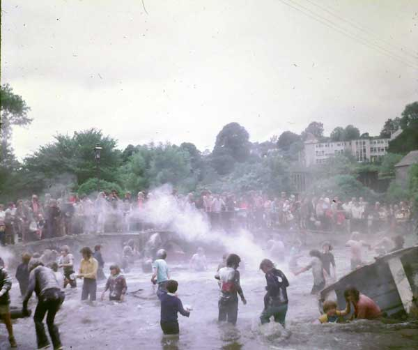 1962-water-fair-with-the-soot-and-flour-fight