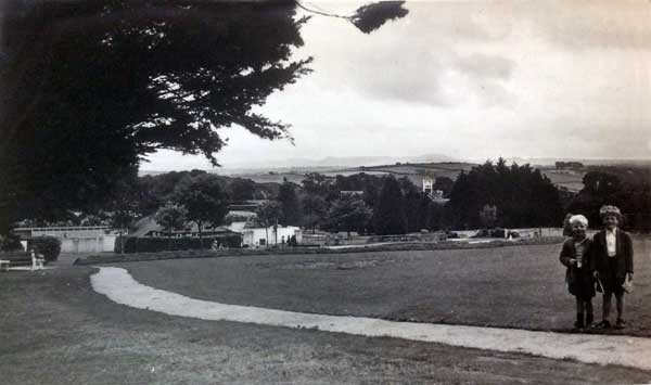 Coronation Park in 1953 with Melvyn Roberts (left) and David Castle (right). Photo courtesy of Glen Richter.