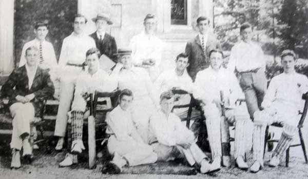 dunheved-college-cricket-team-from-1902