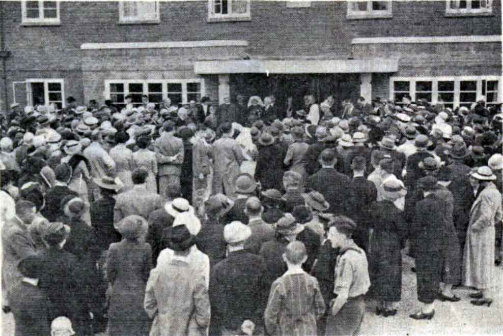 The grand opening of Launceston's Longlands Hospital by Dr. Gibson on August 20th 1938.