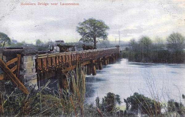 hobblers-bridge-near-launceston-tasmania
