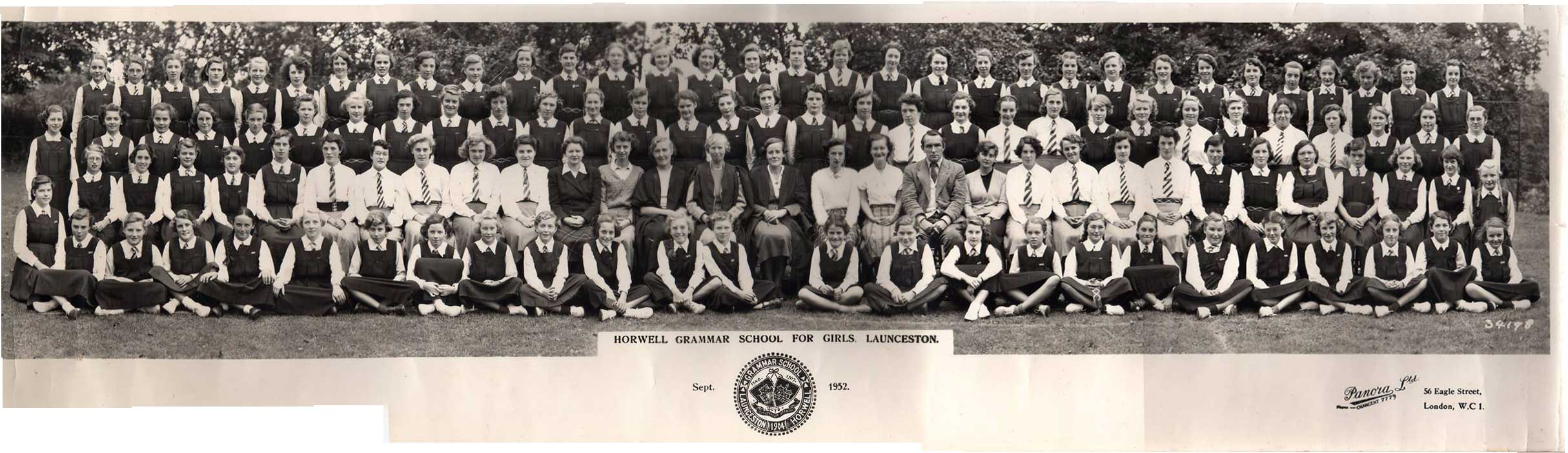 Horwell Girls Grammar School in 1952. Photo courtesy of Ann Caddick.