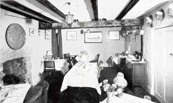 jamaica-inn-dining-room-in-the-1950s