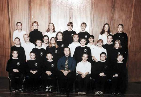 launceston-college-2001-back-row-2nd-from-left-melissa-mullis-photo-courtesy-of-adena-mullis