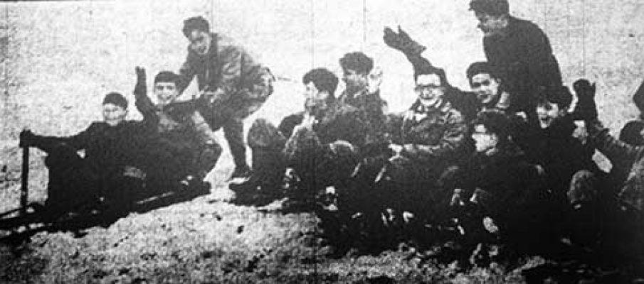 launceston-college-boys-in-1955-feb-half-term-after-a-heavy-snow-fall