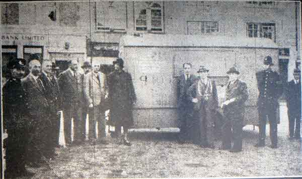 mobile-kitchen-presented-in-1942-to-launceston-by-the-club-shellmex
