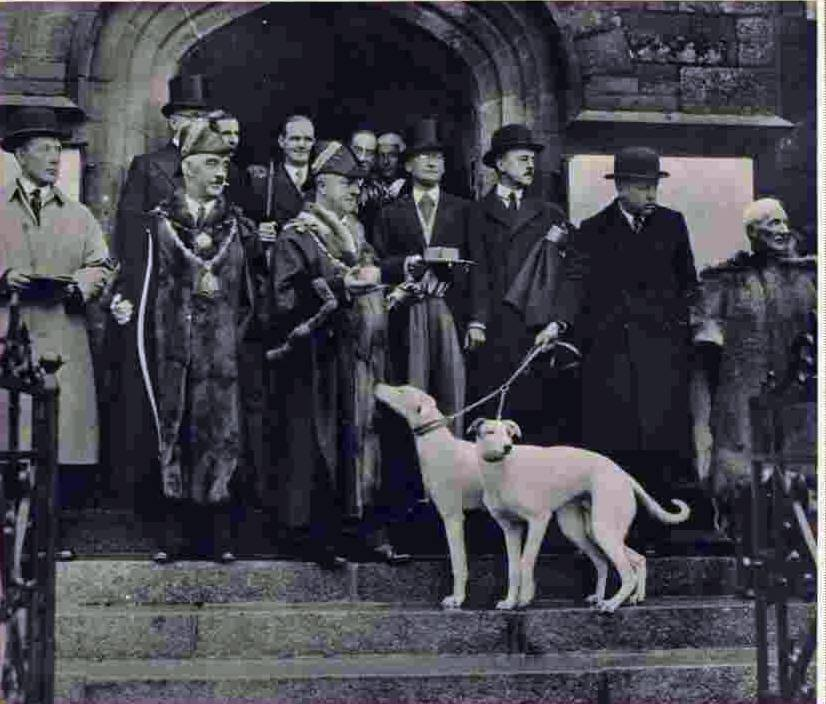 Payers of the Feudal Dues await the arrival of King George VI in December 1937. 2