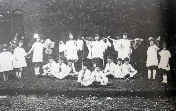 st-josephs-school-play-in-the-1920s-2