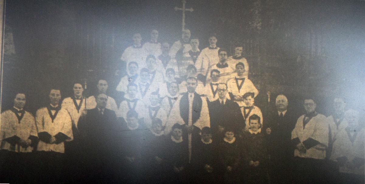 st-mary-magdalene-church-choir-1940s