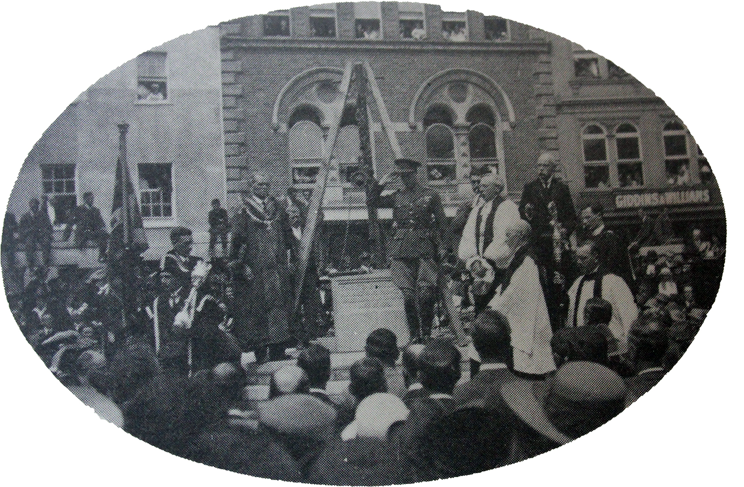 the-duke-of-cornwall-gives-the-salute-at-the-laying-of-the-war-memorial-foundation-stone-in-may-1921