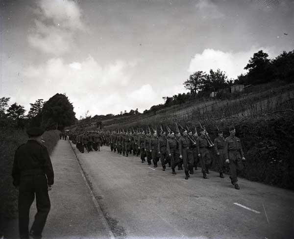 the-homeguard-march-in-the-wings-for-victory-parade-june-1943-royden-road