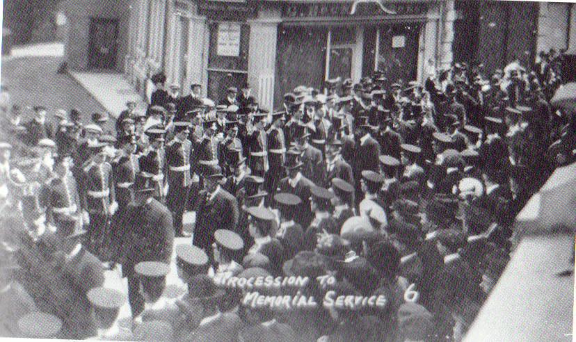 war-memorial-dedication-procession-in-1921
