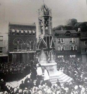war-memorial-dedication-in-1921