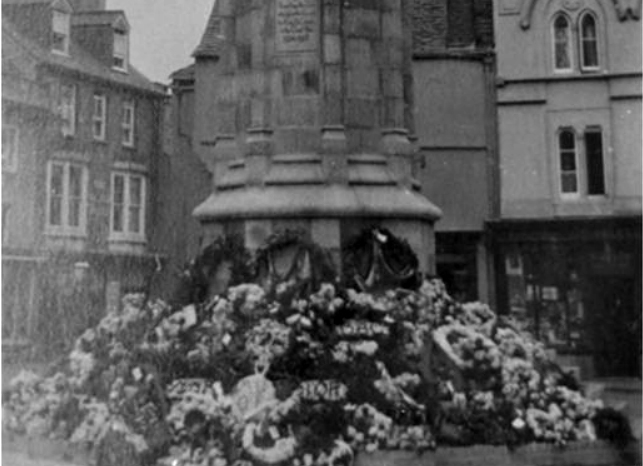 war-memorial-juist-after-its-unveiling