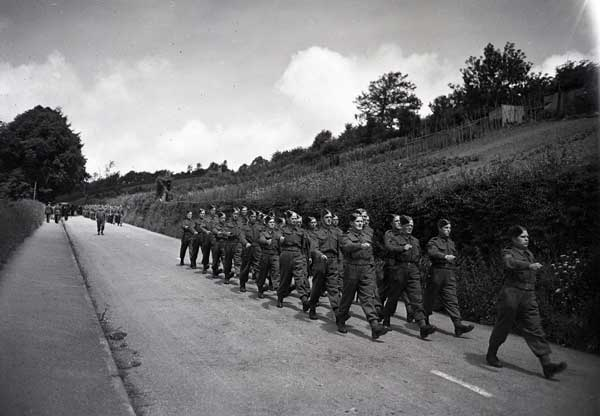 wings-for-victory-parade-june-1943-royden-road