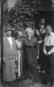 family-group-at-cyprus-well-with-may-on-the-right-her-mother-in-the-middle-sister-nance-and-two-aunties-from-fowey