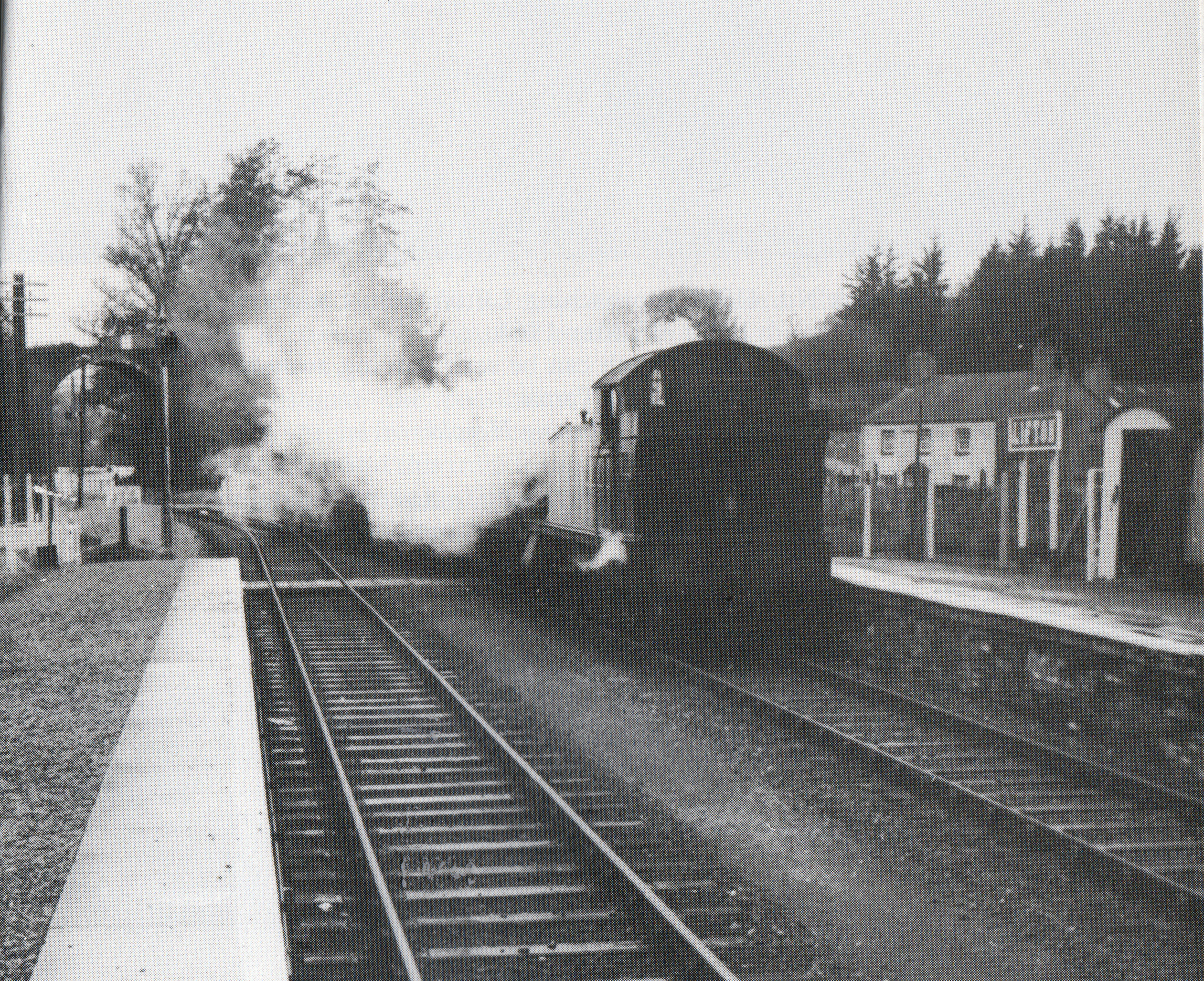 5532-arrives-at-lifton-from-launceston-in-november-1961