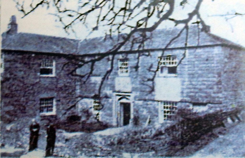 Battens Farm, North Hill c.1900