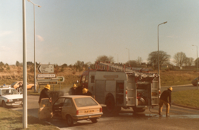 car-fire-at-pennygillam-in-1985-photo-by-gary-chapman