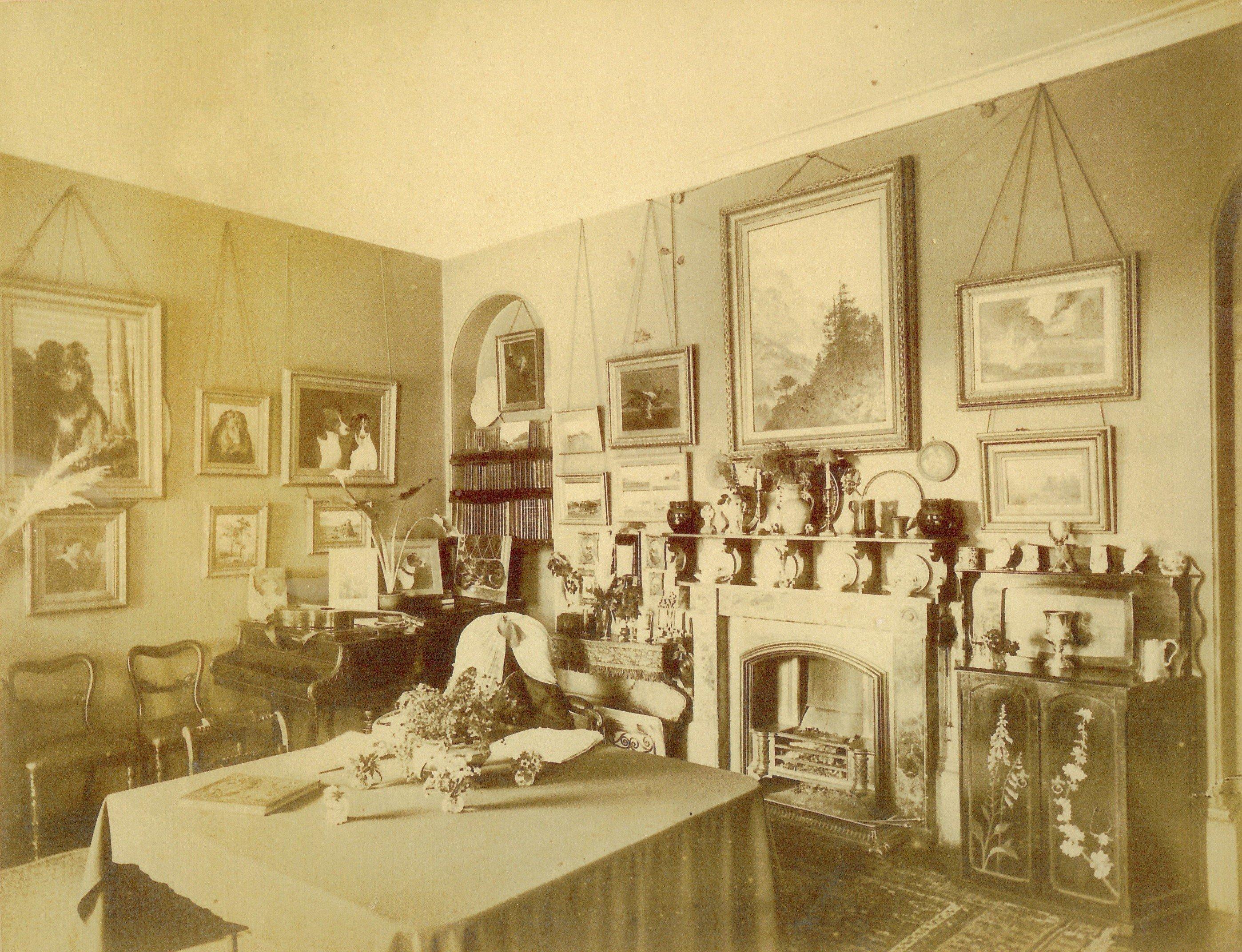 carthamartha-dining-room