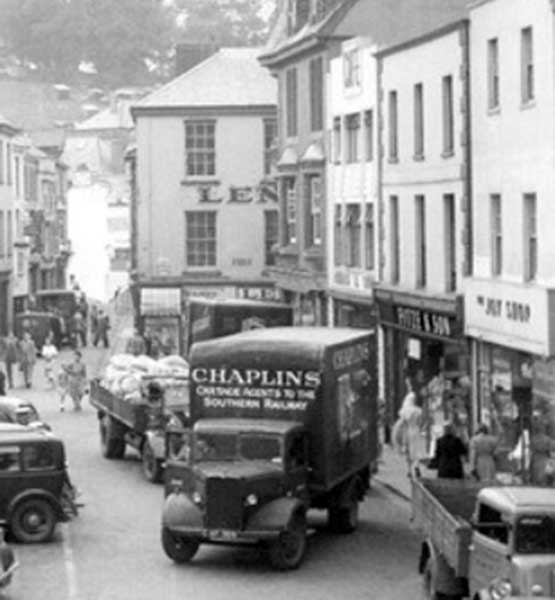 Chaplins lorry delivering to the town centre in 1949.