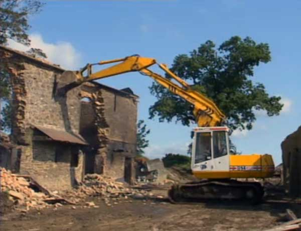 demolition-of-shop-farm