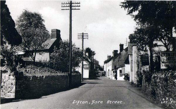 fore-street-lifton-in-1930s-photo-courtesy-of-ray-boyd