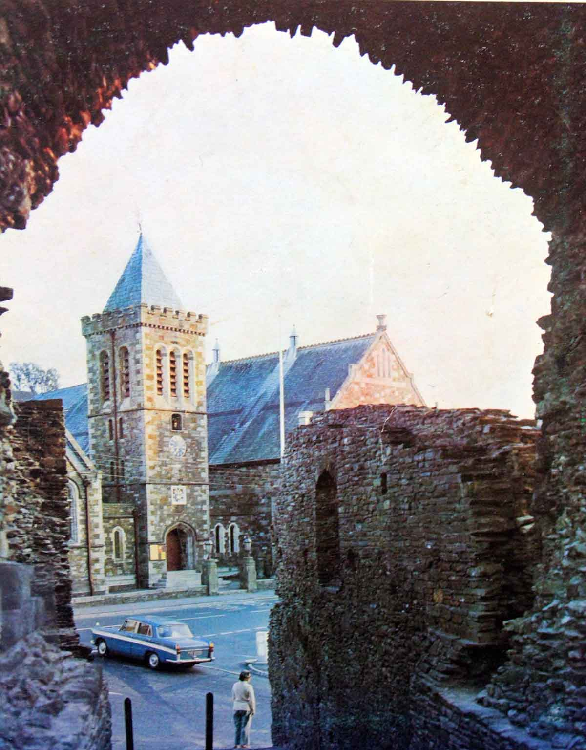 guildhall-from-the-castle-1960s-colour