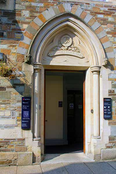launceston-bank-entrance