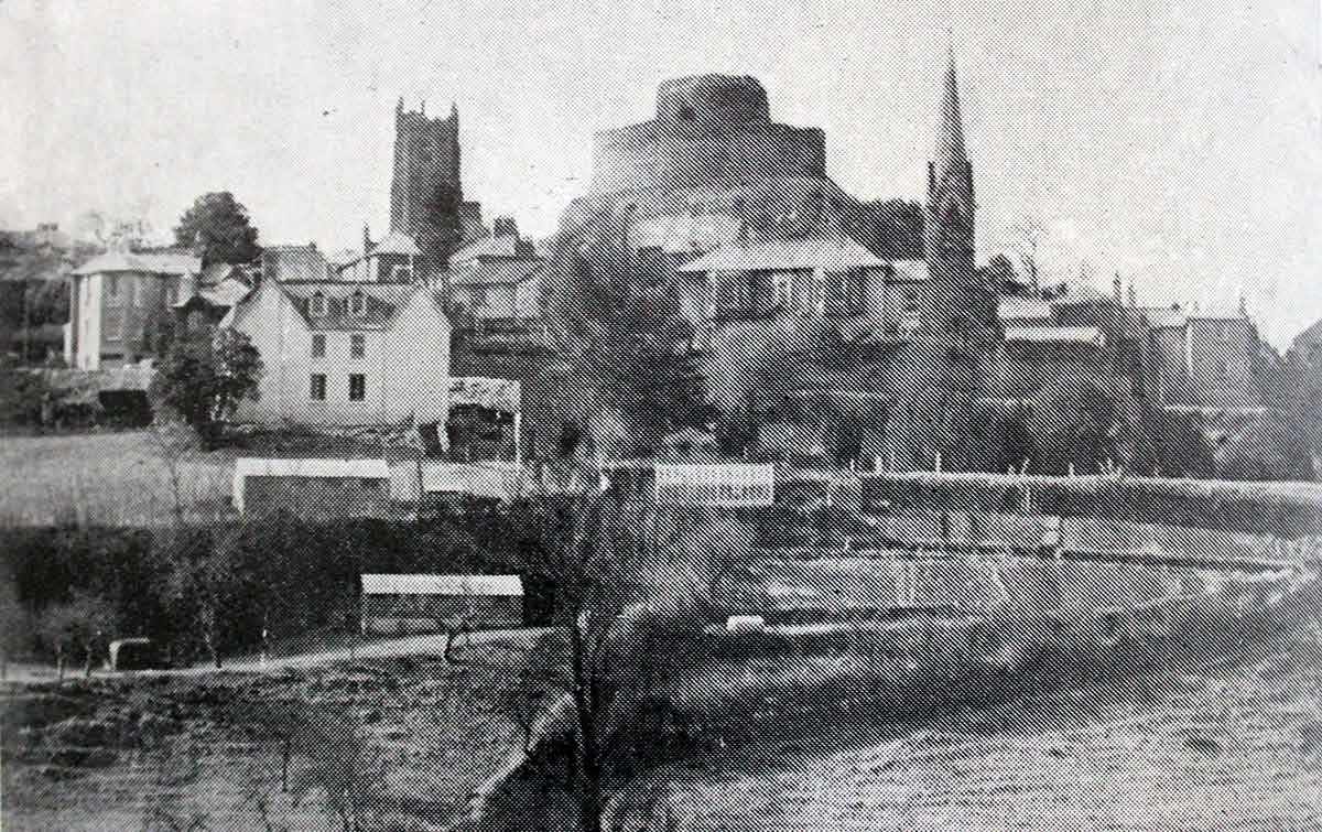launceston-castle-and-the-two-church-towers