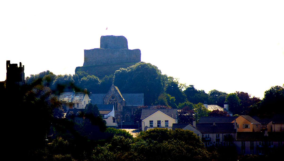 launceston-castle-from-dutson