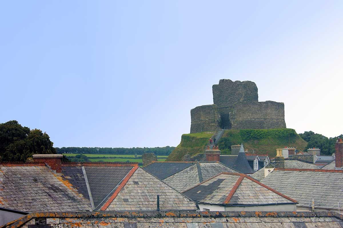 launceston-castle-from-the-libary