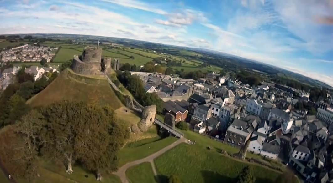 launceston-castle-from-the-air