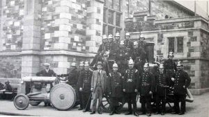 launceston-fire-brigade-1914-with-the-tractor