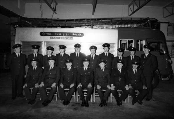 launceston-firte-brigade-crew-in-1979