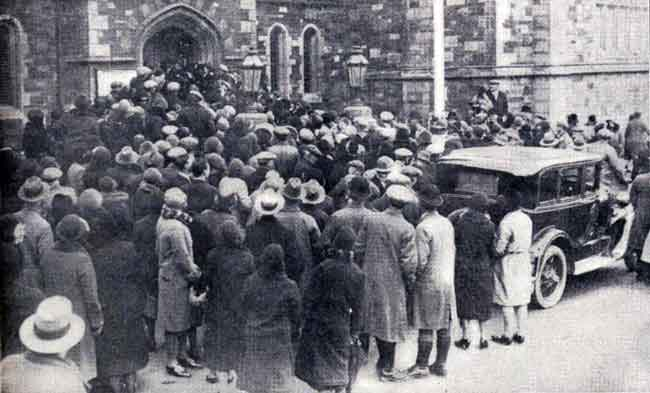 Launceston Guildhall in 1931 with a crowd outside waiting for the appearance of Annie Hearn police court hearing in February 1931.