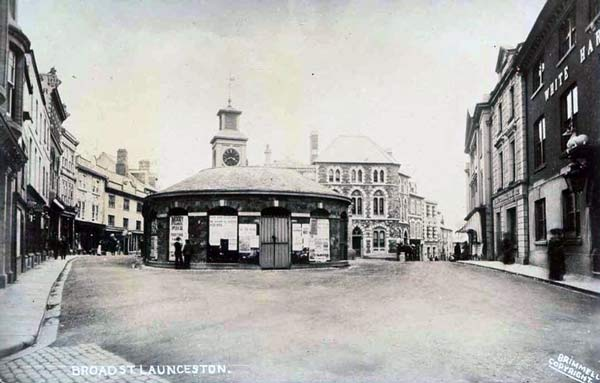 launceston-town-centre-by-brimmells-photo-courtesy-of-ray-boyd