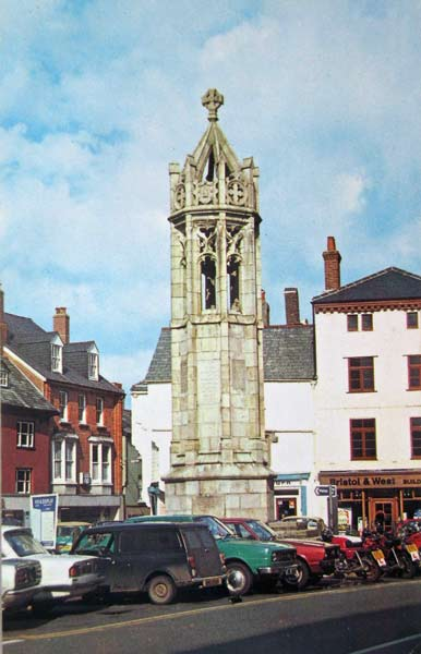 launceston-town-centre-in-the-late-1970s