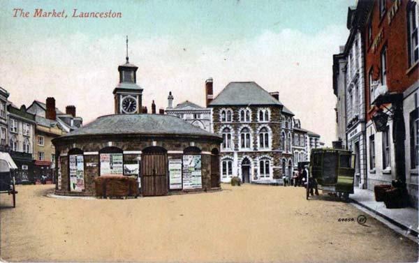 launceston-town-square-photo-courtesy-of-ray-boyd