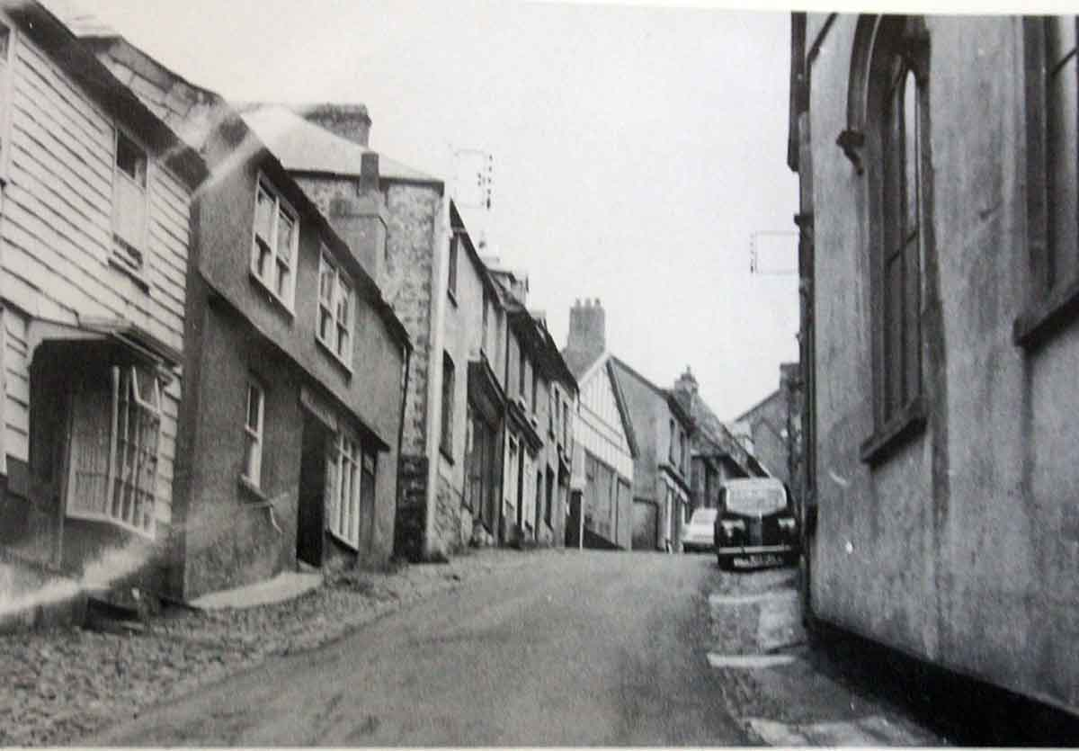northgate-street-with-the-picture-palace-on-the-left-in-1950