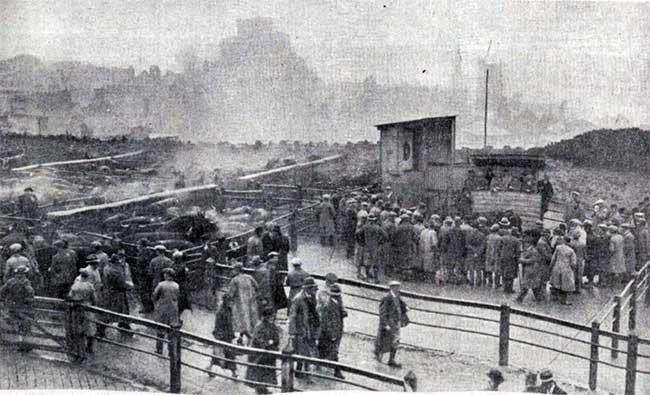 november-1934-launceston-christmas-fatstock-market-in-heavy-rain