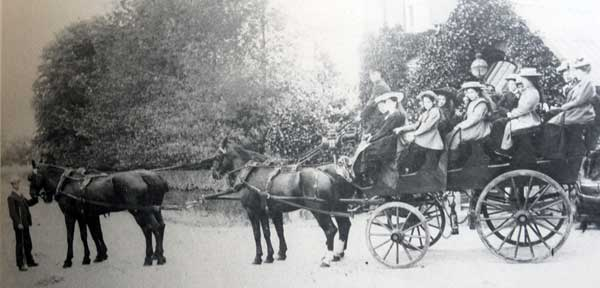 pendruccombe-school-outing-in-1910