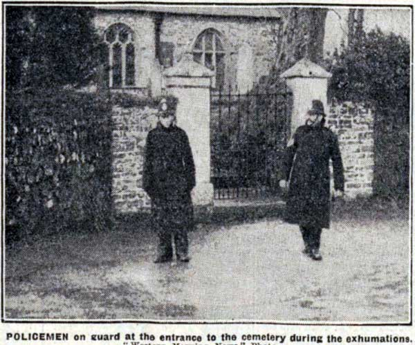 policemen-guarding-lewannick-church-9th-december-1930