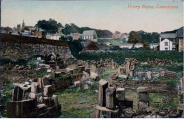 priory-ruins-in-colour