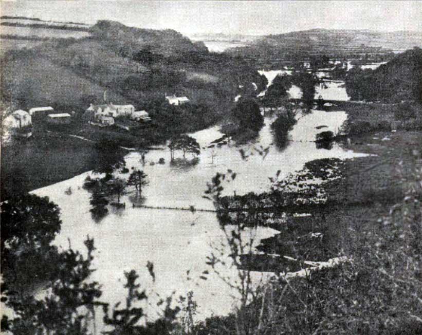 river-tamar-flooding-at-greystone-bridge-november-1929