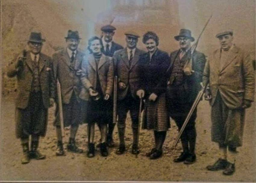 Shooting party Thomas P Fulford, Claude Peter, George Fulford and daughter Marianne and friends including local auctioneer.
