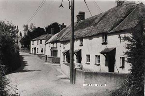 thatched-cottages-lifton-1962