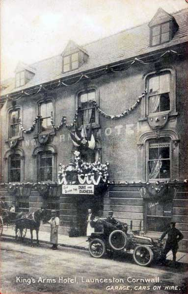 Arthur Budd seen sat in his car outside the Kings Arms in 1909.