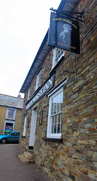 the-white-horse-inn-newport-launceston-2014
