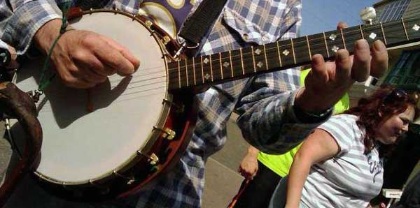 One of the last Banjos ever made by Tom Barriball. Photo courtesy of Tarry Barriball.